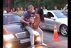 色情祖父的家伙幸运的家伙在停车自制的色情歪曲的视频