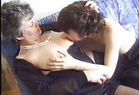 性别视频胶乳奶奶和孩子的奶奶看同性恋色情片